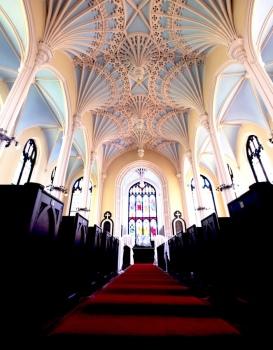 Unitarian-church-aisle